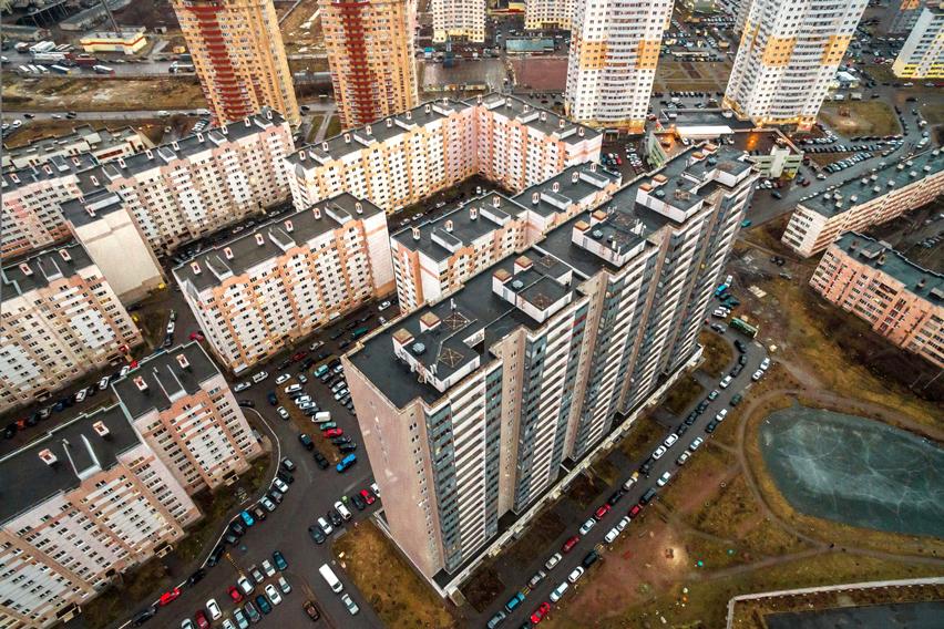 4683592ad5564 За указанную цену покупатель сможет рассчитывать на приобретение  полноценной однокомнатной квартиры без отделки площадью 32 квадратных метра  в сданном доме.